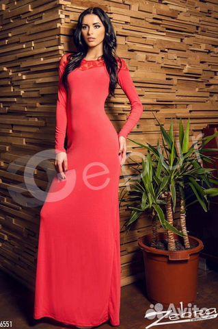 Платье в пол с гипюровыми рукавами