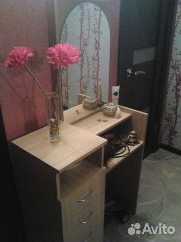 Трельяжный столик с зеркалом