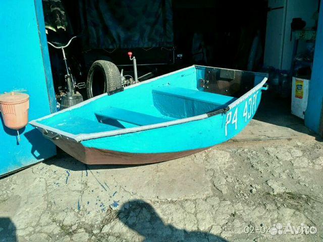 лодка рыбака или рыбачья лодка