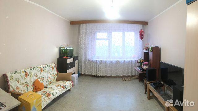 Продается трехкомнатная квартира за 2 200 000 рублей. Саратов, Южная улица, 63.