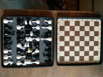 Миниатюрный набор шахмат шашек