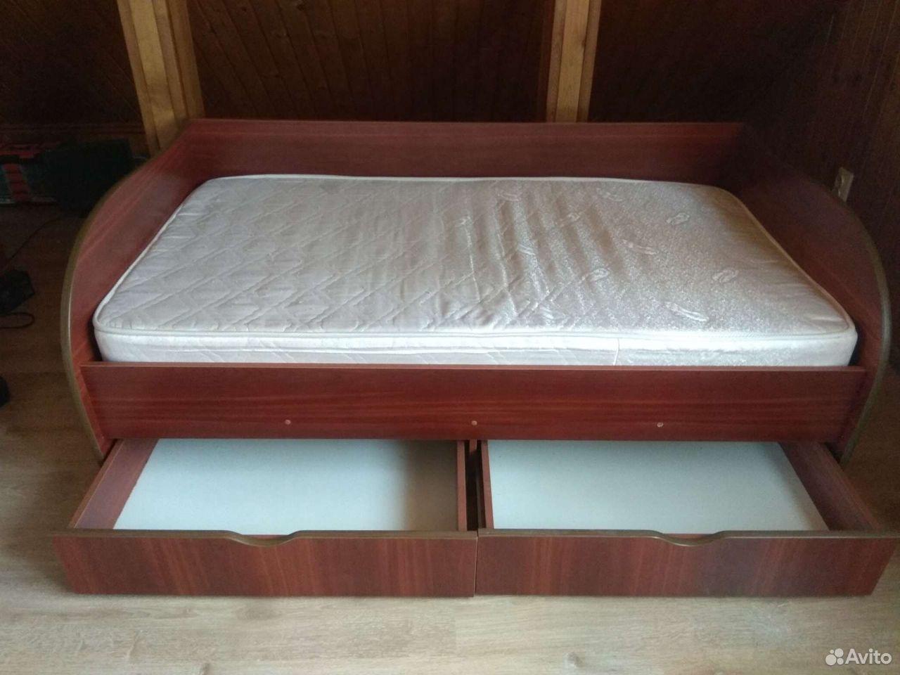 Кровать детская с матрасом. Размер 106 ширина,180